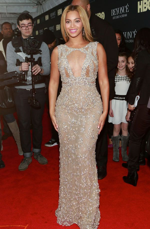 Another red carpet appearance for Beyoncé on February 13, 2013. -Cosmopolitan.com