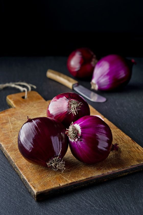 Raw onions - Want to see more beautiful images? Printmaker Sarah Angst creates amazing print & watercolor images of landscapes, animals, flowers, and more... Visit www.sarahangst.com to see her art! #sarahangst