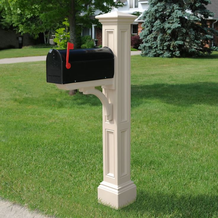 Farmhouse Mailbox - Probably would go with this color scheme for the mailbox post