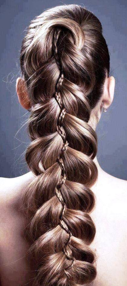 Cu totii admiram impletiturile dar acum avem si ocazia sa invatam cele mai noi tehnici de a impleti in cadrul CARAVANEI IMPLETITURILOR By Oksana. Trainerul nostru va garanteaza avansare creativa in arta coafurii. Fiti alaturi de noi pe https://www.facebook.com/CursuriDeImpletituriByOksana pentru a afla cand ajungem si in orasul vostru! #impletituri #hairstyle #braids #coafuri
