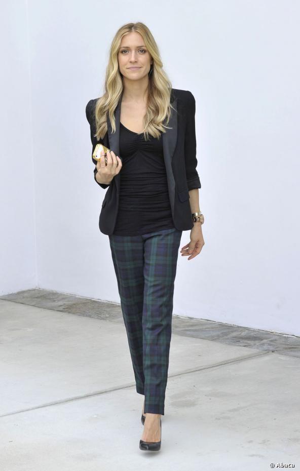 Kristin Cavallari adopte le pantalon à carreaux.