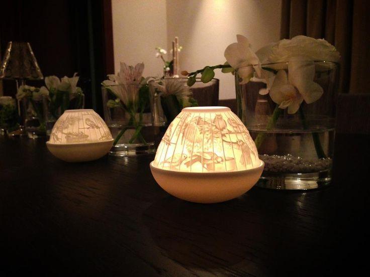 The white porcelain lithophanes by Bernardaud on http://trend-on-line.com/brand/bernardaud/lithophanies-bougies
