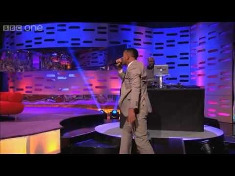 WILL & JADEN SMITH surprise audience with RAP & DANCE w/ DJ Jazzy Jeff and Alfonso Ribeiro