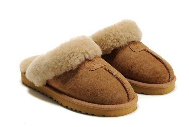 fqvws3-l-610x610-shoes-tan-ugg-slippers-fuzzy.jpg