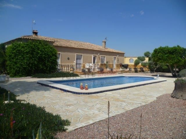 Reduced! 3 bed house with solar power & pool (185000€) near Catral Spain  http://www.livespainforlife.com/property/4037/country-house/resale/spain/catral/catral/ Ref: Alm MS