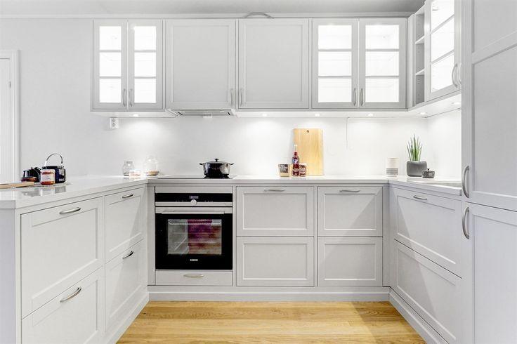 KJØKKEN: Gastro hvit | Drømmekjøkkenet LOCATION: Toppleilighet i Bergen