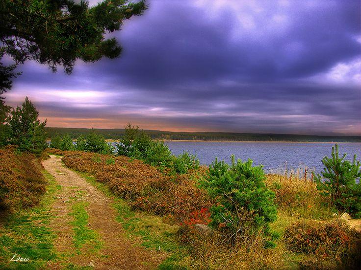 La Margeride au nord-est de la Lozère, est un massif granitique. La présence de cette roche est soulignée dans le paysage par de nombreux chaos (empilements de rochers) qui contribuent  à la beauté de la région. La Margeride est connue pour avoir été le théatre des méfaits de la célèbre bête du Gévaudan au XVIII siècle.