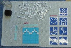 Tvoříme obrázky umísťováním vybraných čísel na správné místo ve stovkové tabulce.