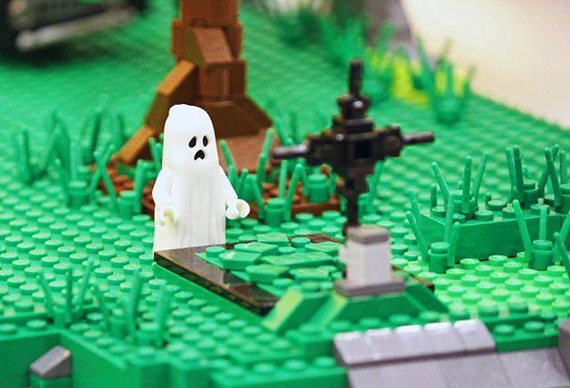 Dealul bantuit de fantome LEGO