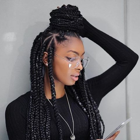 These triangle box braids are so cute on  @jourdanriane by@beautycreationinsta :@mattnovacane  #boxbraids #topknot #voiceofhair ========================== Go to VoiceOfHair.com ========================= Find hairstyles and hair tips! =========================