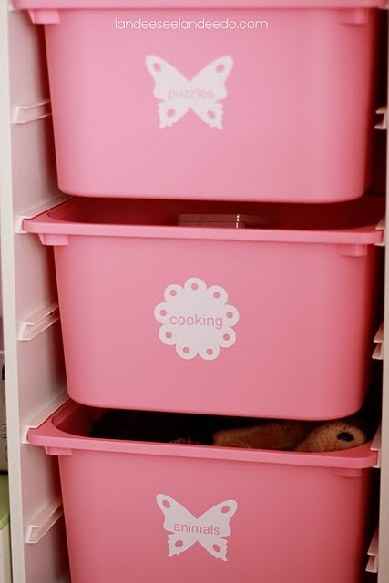Vinyl Labels on Ikea Storage Bins made with Silhouette CutterToys Organic, Vinyls Labels, Labels Interval, Girls Toys, Vinyls Letters, Awesome Ideas, Baby Stuff, Toys Storage, Toys Room
