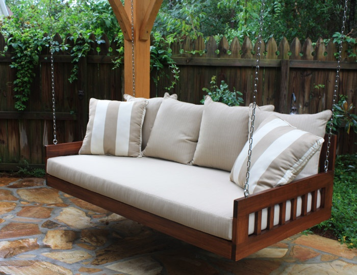 Exceptional Bed Swing This Is A Southern Komfort Bed Swing Hanging In A Pergola And  Flagstone Floor