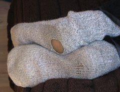 Oftmals schreckt das Bewältigen der Ferse davon ab, Socken oder Strümpfe zu stricken. Dabei ist das Arbeiten des Käppchens recht einfach und die...