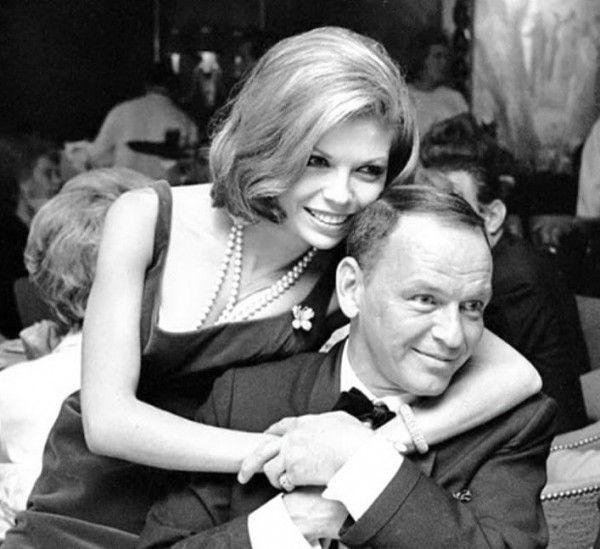 Frank & Nancy Фрэнк  Синатра  и  его  дочь  Нэнси.  США.