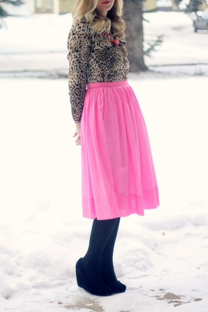 Leopard Blouse and Pink Skirt | Outfit | http://prettylifeanonymous.blogspot.com | #Leopard #Skirt #Outfit