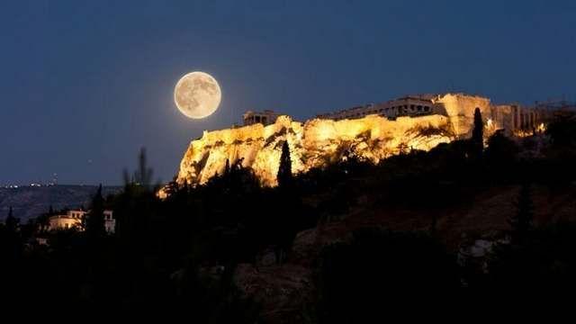Το ΥΠΠΟΑ γιορτάζει την πανσέληνο σε 115 αρχαιολογικούς χώρους και μουσεία: Τις βραδιές αυγουστιάτικης πανσελήνου θα γιορτάσει και φέτος το…