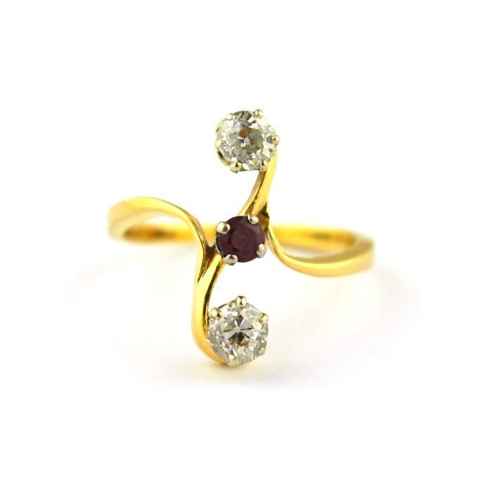 "Online veilinghuis Catawiki: Antique 18k yellow gold ""Toi & Moi"" ring with old cut Diamonds & Ruby, E.U Size 55/56 (re-sizable)"