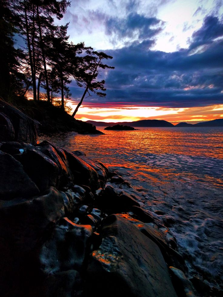Sunset at Washington Park in Anacortes. Puget Sound, Washington State #PNW