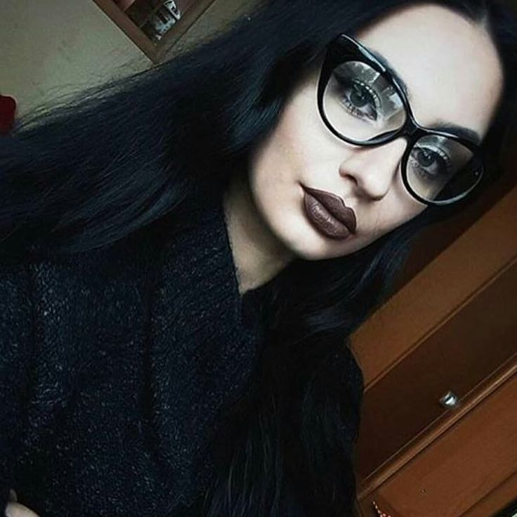 Lunettes sans correction cat eyes  #eyeglasses #eyeware #cateyes #hair #brune #black