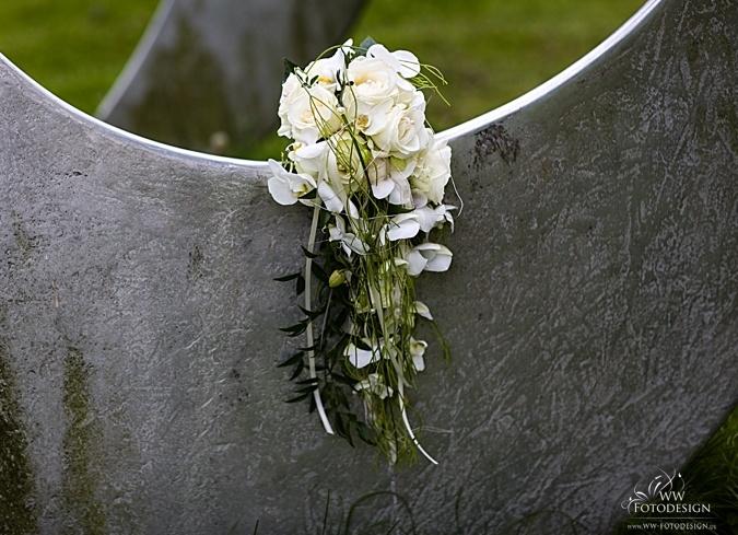 Prachtige Bruidsboeket met hangende bloemen.