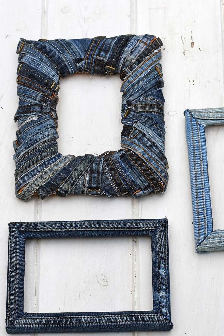 If You Like To Upcycle Old Jeans Here Are Two Creative Denim Picture Frame Ideas Upcycle Upcycleddenim Upcycledj Denim Crafts Diy Picture Frames Old Jeans