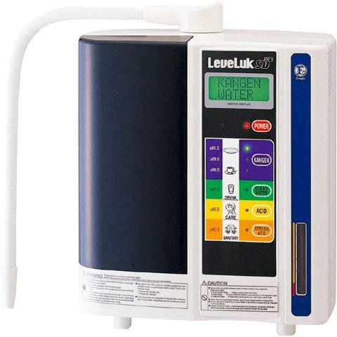 """El SD501 es el aparato más fino de su clase, con la mejor cámara de electrólisis integrada que existe en el mercado. Este aparato de filtración de agua Kangen genera un continuo flujo de 5 tipos de agua para numerosos empleos en el hogar. Conocer más detalles en el botón """"visitar"""""""