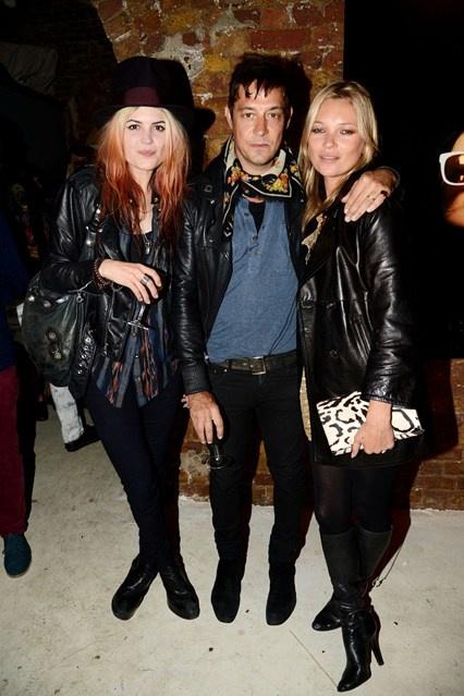 Fashion News, Latest Trends, Catwalk Photos & Designers (Vogue.com UK)
