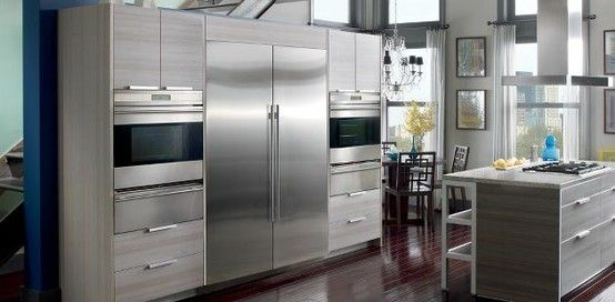 Integrated Manufacturers - Integrated refrigerators are specialty products. GE, Whirlpool and Frigidaire either do not manufacture an integrated refrigerator or sell a small amount through a subsidiary like GE Monogram for example. Only niche companies like Viking, Thermador, Gaggenau, Liebherr, Sub-Zero and Bosch actively market the product.