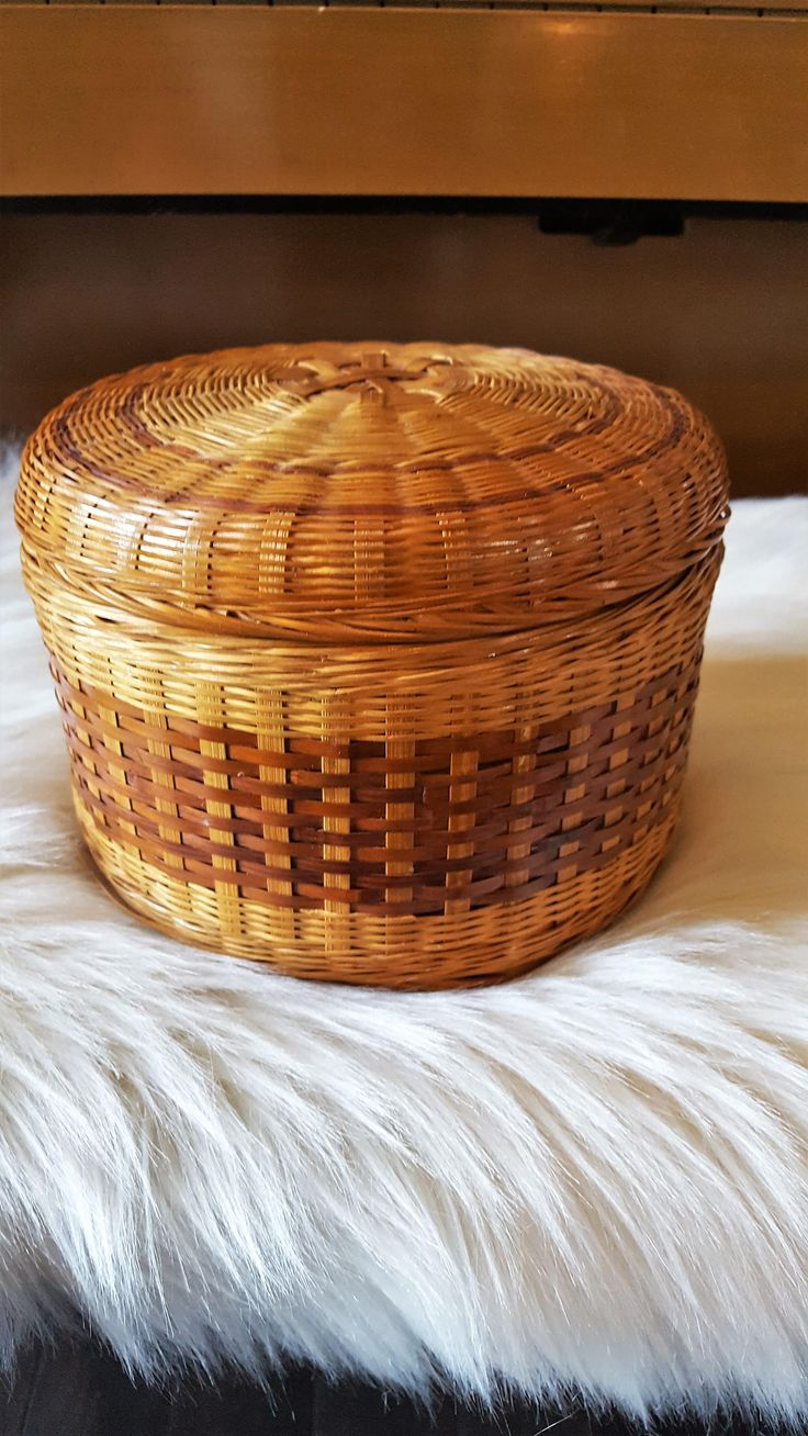 JUST LISTED IN THE SHOP: Round Wicker Basket with Lid, Storage Basket by SoDarnedVintage on Etsy   #wickerbasket #vintagebasket #sewingbasket #roundbasket #rattanbasket #bohobasket #bohostyle #bohodecor #bohemianstyle #bohemiandecor #storagebasket #etsy
