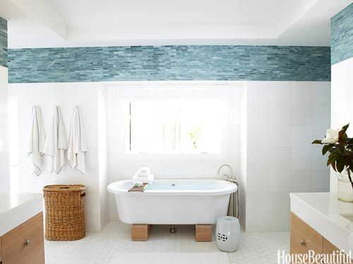 To mimic the ocean outside this Laguna Beach bathroom, designers Heidi Bonesteel and Michele Trout added a border of turquoise blue tile.: Laguna Beach, Heidi Bonesteel, Decorating Bathrooms, Bathroom Ideas, White Bathroom, Beach Bathrooms, Designers Heidi, Blue Tiles