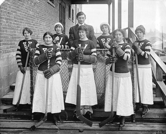 Members of an Edwardian women's hockey team from Vancouver, B.C., Canada in uniform.   I kinda want to knit one of those sweaters for myself. :3