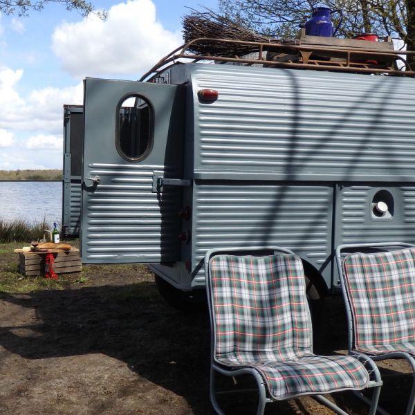 Besteleendje is a vintage minivan located in the Netherlands.