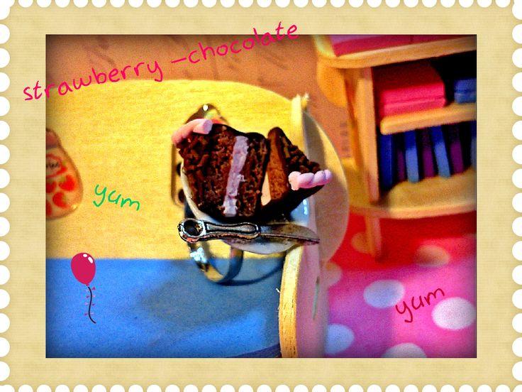 chocolate -strawberry cake