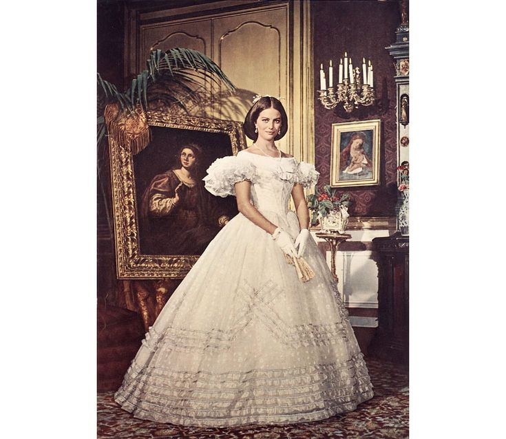 Claudia Cardinale Wedding Dresses and the silver screen, movies, Marilyn Monroe, Audrey Hepburn, Kirsten Dunst, Catherine Deneuve