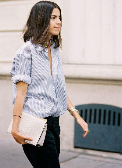 La chemise rayée (portée ici par Leandra Medine, du blog Man Repeller) reste l'indispensable pièce boyish de notre dressing. Déferlante à prévoir.