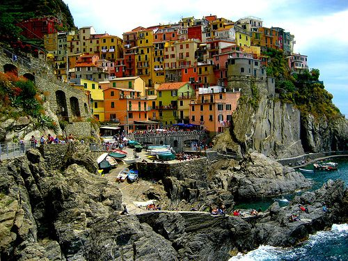 Manarola Harbor ... Manarola hotels and attractions.