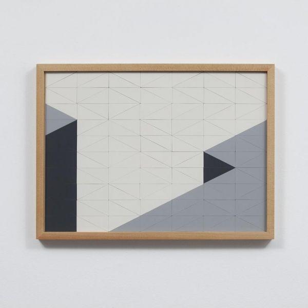 Felipe Cohen CHÃO OU VÃO     Objeto, Relevo de parede     Madeira pinho, mdf, acrílico e laminado melamínico     (A x L x P)  36 x 48 x 3 cm     2013