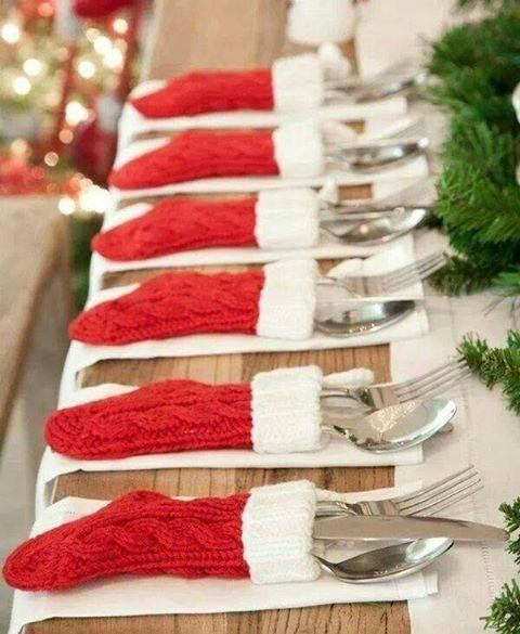 do you host a holiday dinner? so adorable!