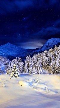 Góry zimową nocą