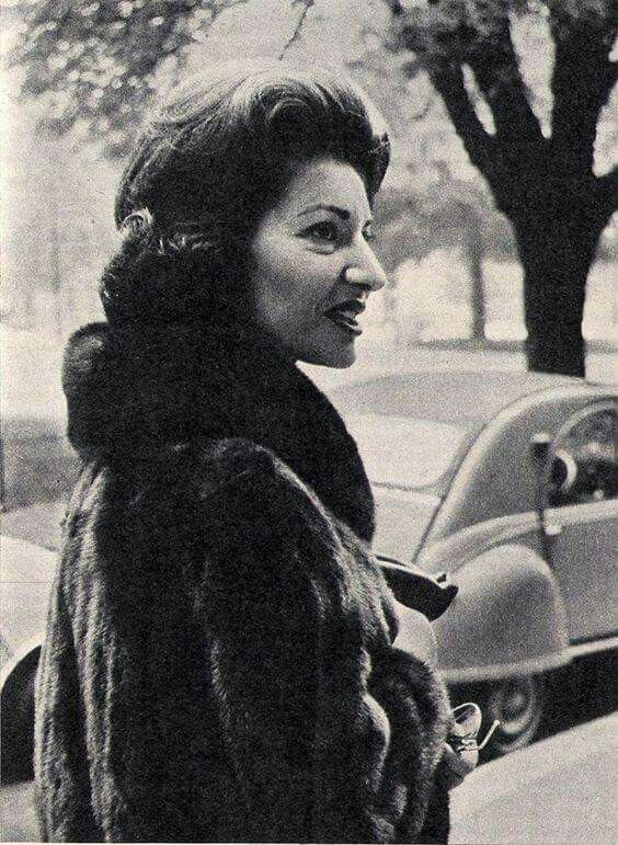 1489 best images about casta diva on pinterest - Callas casta diva ...