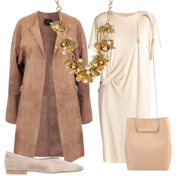 Questo outfit, perfetto per le giornate di primavera, è composto da vestito morbido con arricciatura sul fianco, soprabito in pelle, ballerine scamosciate e borsa in pelle con manico in metallo. Per completare il look una collana di fiori dorati.