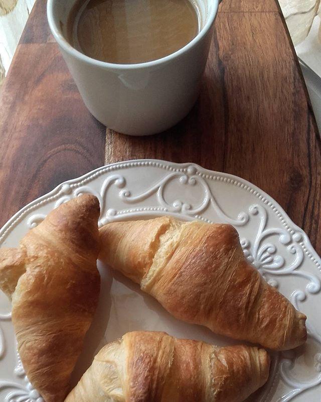 Morning coffee ☕☕☕☕Happy Sunday !!!.#goodmorning #coffee #coffeetime #sundaybliss #Sunday #breakfast #croissant #favouritehour #coffeelover #real-time #enjoylittlethings #blissfulmoments #lifokitchen #huffposttaste #instamood #onmytable #f52grams @food52 #buzzfeedfood #thekitchn #lifeandthyme #feedfeed #beautifulcuisines #hautecuisines #foodphotography #foodstagram #foodblogger #cookingandart #marion_cookingandart