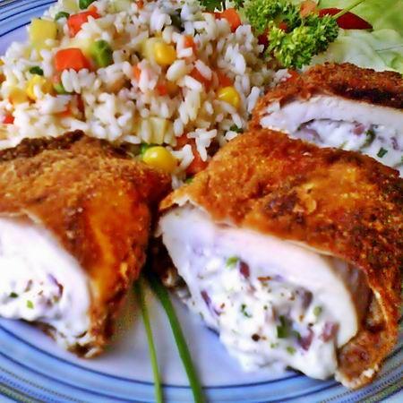 Egy finom Snidlinges-krémsajtos töltött csirkemell ebédre vagy vacsorára? Snidlinges-krémsajtos töltött csirkemell Receptek a Mindmegette.hu Recept gyűjteményében!
