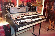 L'orgue Hammond M-102 de Richard Wright, qui apparaît notamment dans le film Pink Floyd: Live at Pompeii.