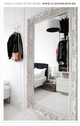 Hyggeligt soveværelse - elsker det store spejl!