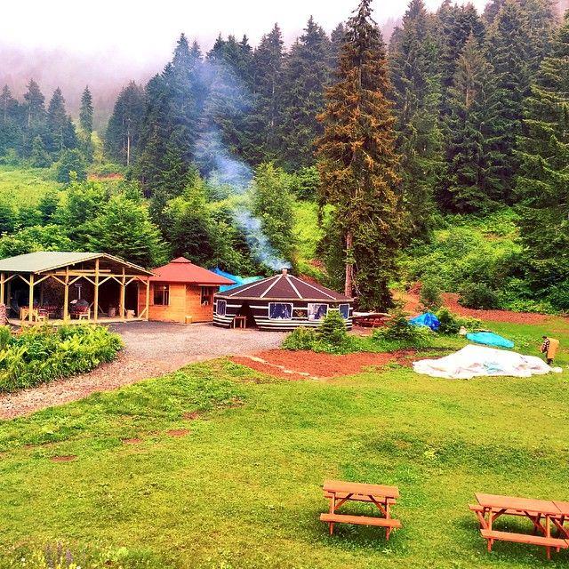 Livera Camping, Maçka, Trabzon ⛵ Eastern Blacksea Region of Turkey ⚓ Östliche Schwarzmeerregion der Türkei #karadeniz #doğukaradeniz #trabzon #طرابزون #ტრაპიზონი #travel #nature #camping #ecotourism #mythological #colchis #thegoldenfleece #thecolchiandragon #amazonwarriors #tzaniti (Photographer: Turgay Coşkun)