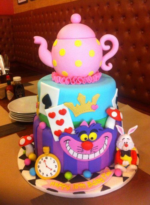 Imagen de alice in wonderland, cake, and Cheshire cat