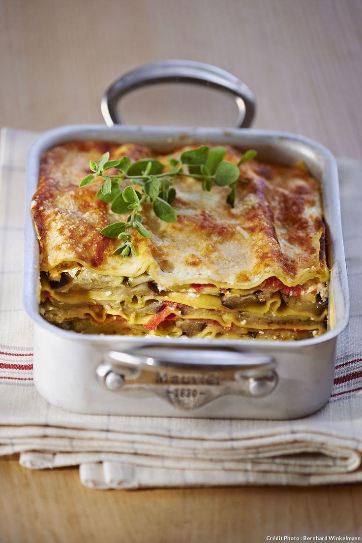 Ces lasagnes végétariennes ne sont pas moins moelleuses que la version traditionnelle. Courgettes, aubergines et tomates sont accompagnées de la crémeuse ricotta et du généreux parmesan ...
