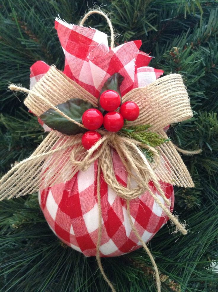 Christmas Ornaments / Red and White Xmas Ornaments / Set