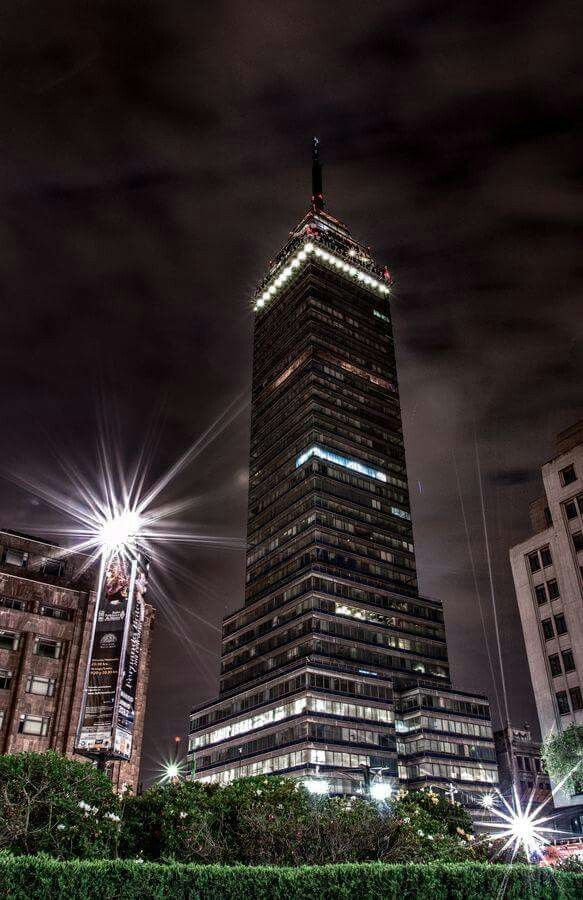 Torre Latinoamericana vista de noche. Centro Histórico. CDMX ❤️